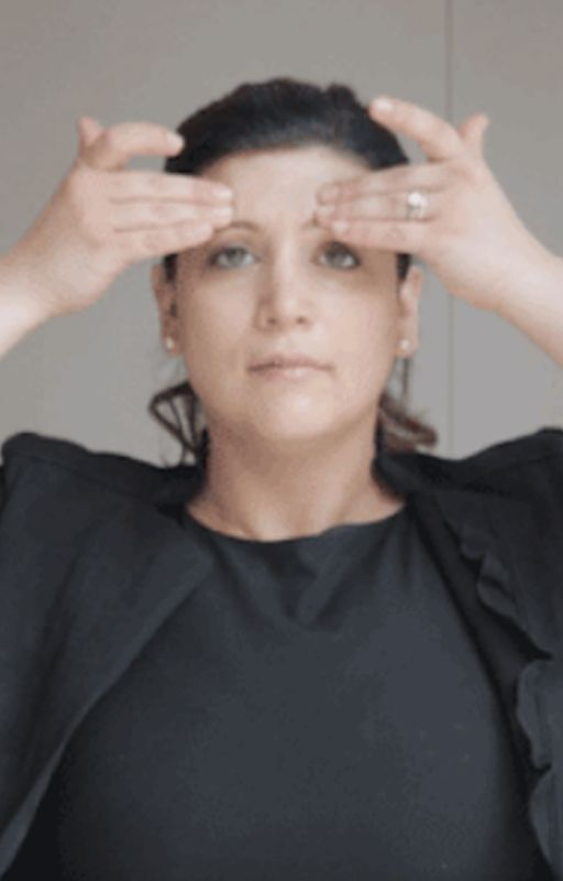 7 bước massage giúp khôi phục làn da chảy xệ