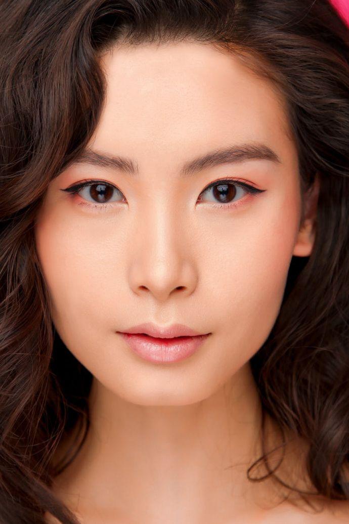 Những điều bạn cần biết về phương pháp cạo lông mặt