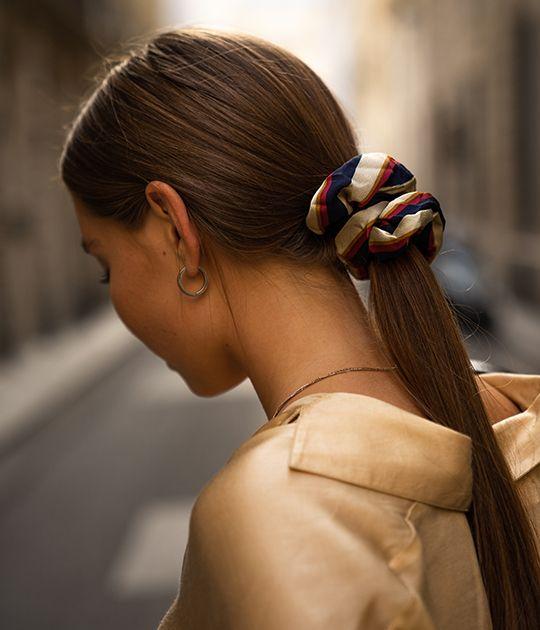 Rụng tóc ở nữ giới: tìm hiểu nguyên nhân và cách khắc phục