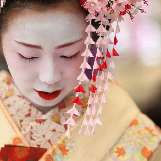 Kanzashi - Vật dụng không thể thiếu đối với phụ nữ Nhật Bản